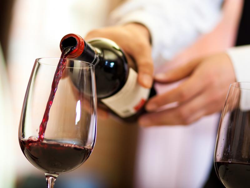 Selecting-Wines-medium